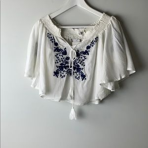 LF Seek the Label crop embroidered top Size Small